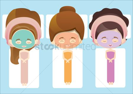 Spa : Women with cosmetic mask