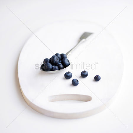 Food : A studio shot of blueberries on a slate
