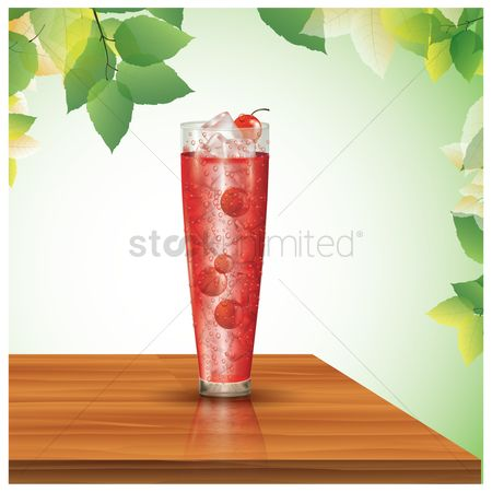 Tables : Glass of cherry juice