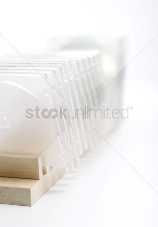 Tidy : A cd cases standing on cd rack