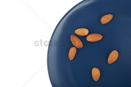 Almond : Almonds on a plate