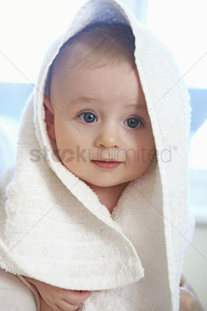 Comfort : Baby boy wrapped in towel