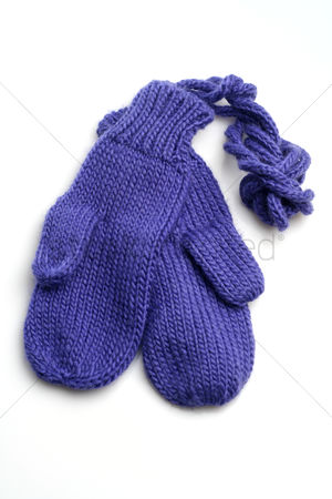 Accessories : Baby gloves on white background