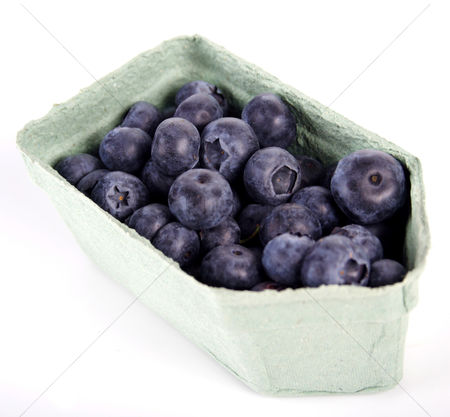 Pile : Blueberries in box - white backhround