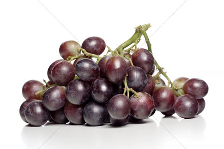 Black background : Bunch of grapes on white background