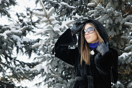Cold temperature : Businesswoman with sunglasses
