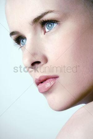 Mature : Close-up of a woman s face