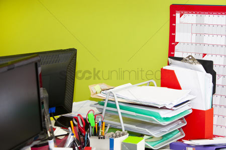 Pile : Close-up of real life messy office