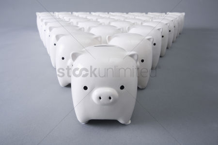 Sets : Collection of white piggy banks