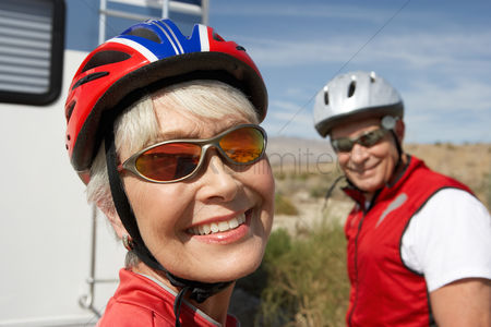 Fitness : Couple on bicycle ride portrait