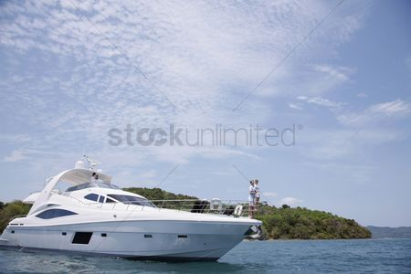 Transportation : Couples on yacht