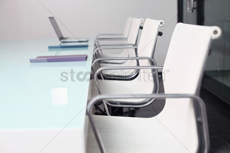 Ideas : Empty conference room