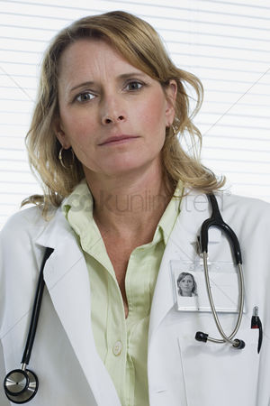 Proud : Female doctor