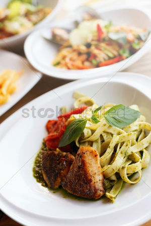 Ready to eat : Fettuccine with chicken