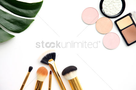 Sets : Flat lay of cosmetic accessories
