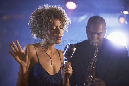 Club : Jazz singer and saxophonist performing
