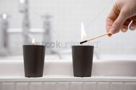 Match : Lighting a candle