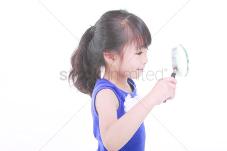 Magnifying glass : Lovely child