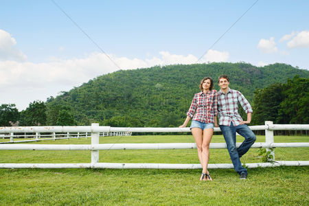 Girlfriend : Man and woman at the ranch