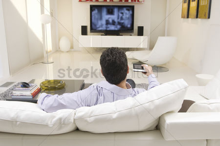 Sets : Man watching tv