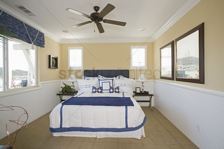 Decor : Nautical themed bedroom of palm springs home