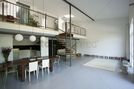 High ceiling : Open plan mezzanine interior