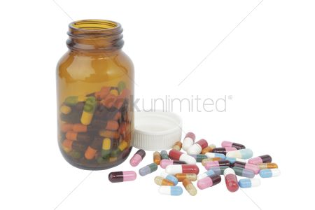 Medication : Pills and a bottle