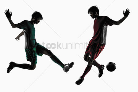 Match : Soccer players playing soccer