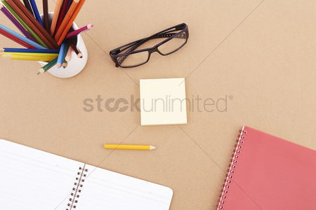 Sets : Spectacles with stationery set