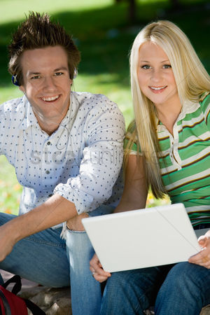High school : Student couple relaxing outdoors  portrait