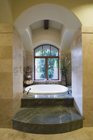 Steps : Sunken marble bath in palm springs home