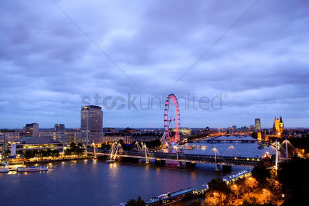 England : Thames view eastwards