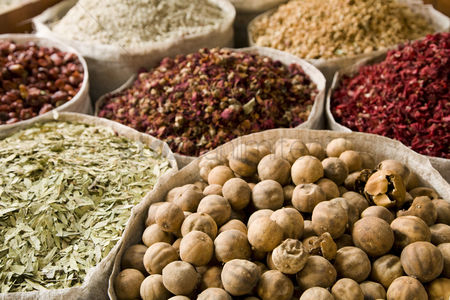 Pile : Uae dubai many different spices for sale at the spice souq in deira