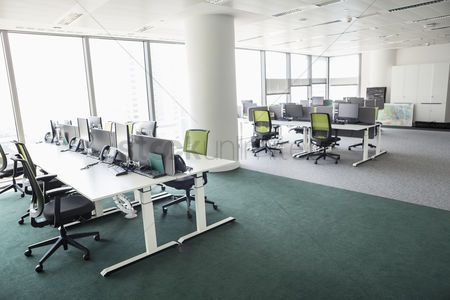 Furniture : View of empty office