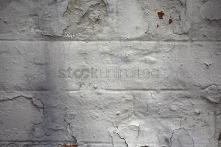 Weathered : Wall with peeling paint