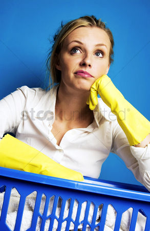 Lady : Woman doing laundry