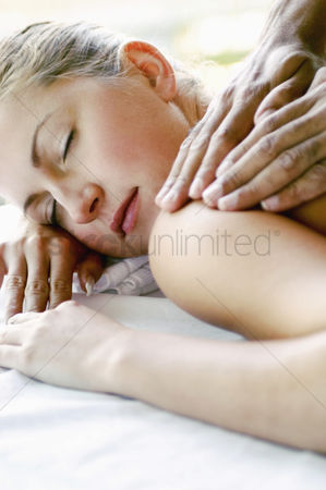 Satisfying : Woman enjoying a body massage