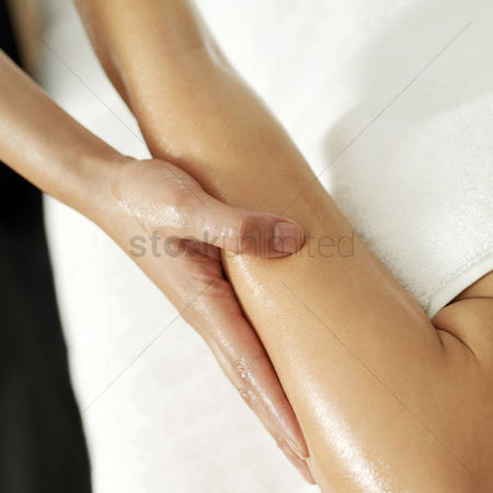 Body : Woman enjoying a hand massage