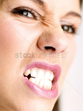 Appearance : Woman expressing anger