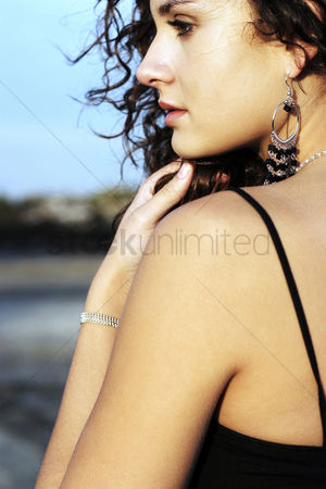 Fashion : Woman in deep thought
