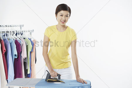 Selection : Woman ironing clothes