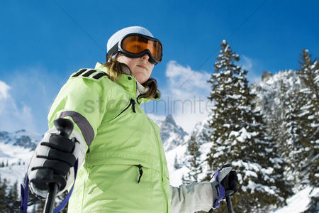 Coldness : Woman skiing