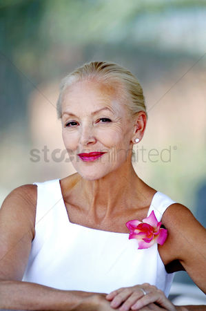 Elegance : Woman smiling at the camera