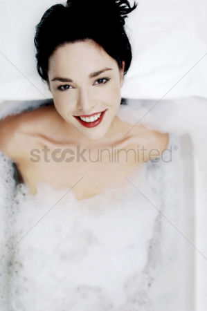 Satisfaction : Woman soaking in the bathtub