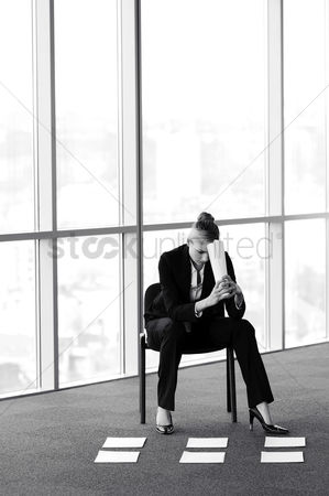Selection : Woman thinking of solution