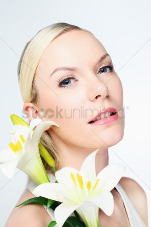 British ethnicity : Woman with flowers