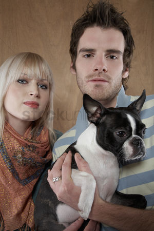 Bulldog : Young couple with french bulldog portrait