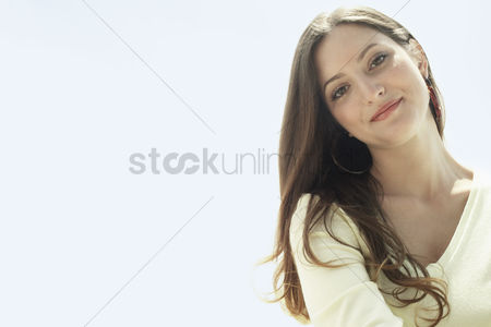 Smiling : Young woman portrait